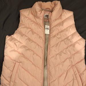 Never worn GAP peach pink bubble vest